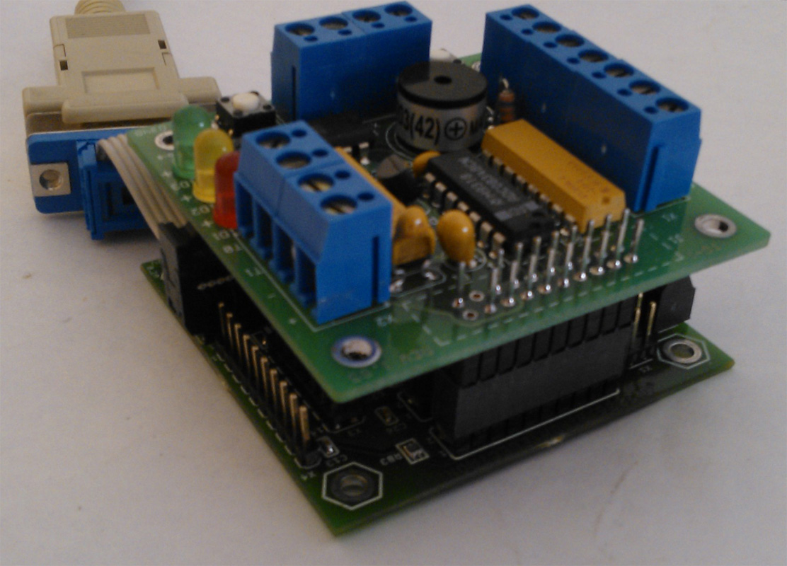 TB-1 Training Board connected to MINI-MAX/AVR-C Board